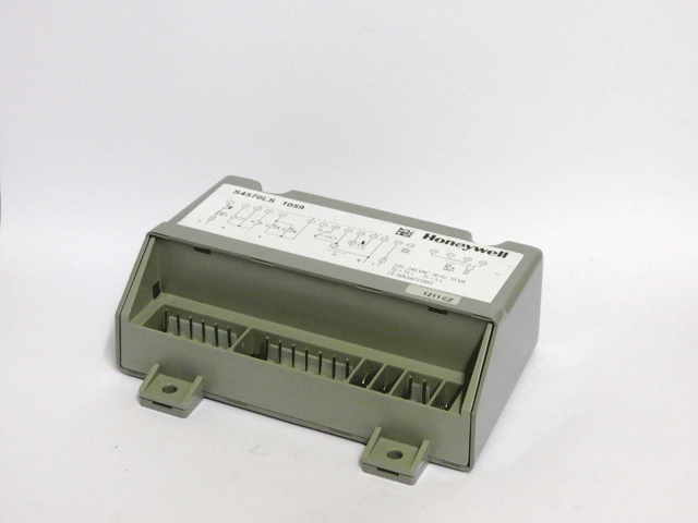 AMBIRAD NORTEK AND REZNOR CONTROL BOX S4570LS 1059 USED  WITH CARBERUNDUM HOT SURFACE IGNITORS ST AND EURO T